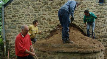 restauration d'un four à pain, Morbihan, chantier participatif